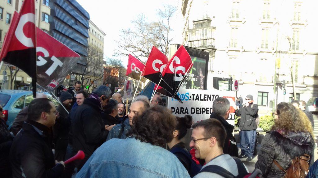 CGT ALTEN MADRID ACUDE EN APOYO CONTRA LOS DESPIDOS EN EL GRUPO ATOS